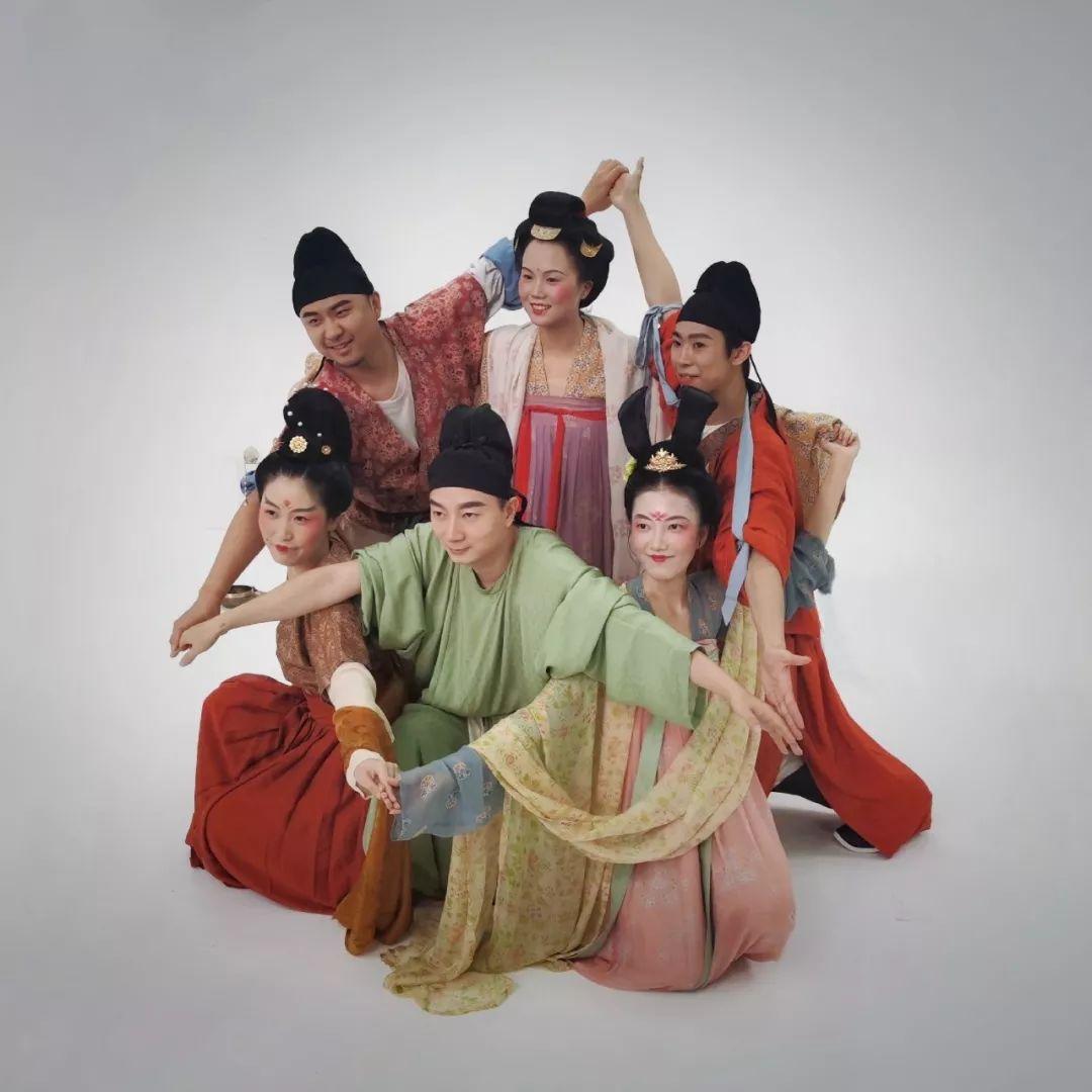 火爆B站的七人组,把最强中国古风传到外网,老外看呆